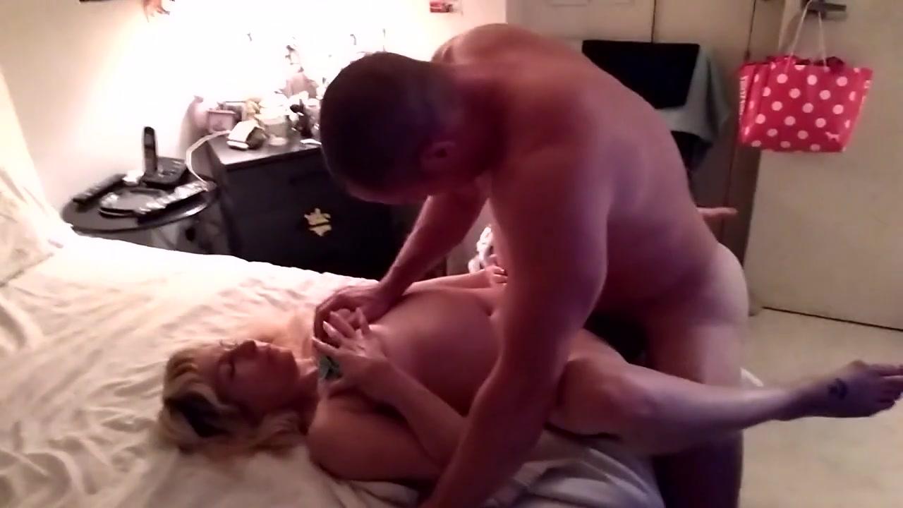 Porn Mi Novia Folla Delante Mia esposa follada por un buen amigo delante de mi